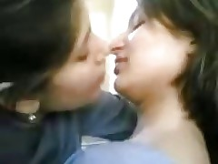 girls kissing : hindi porn film