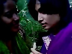 girls kissing : hindi porn film